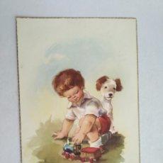Postales: POSTAL VERNET NIÑO JUGANDO CON UN TREN Y UN PERRO AÑO 1959. Lote 219700108