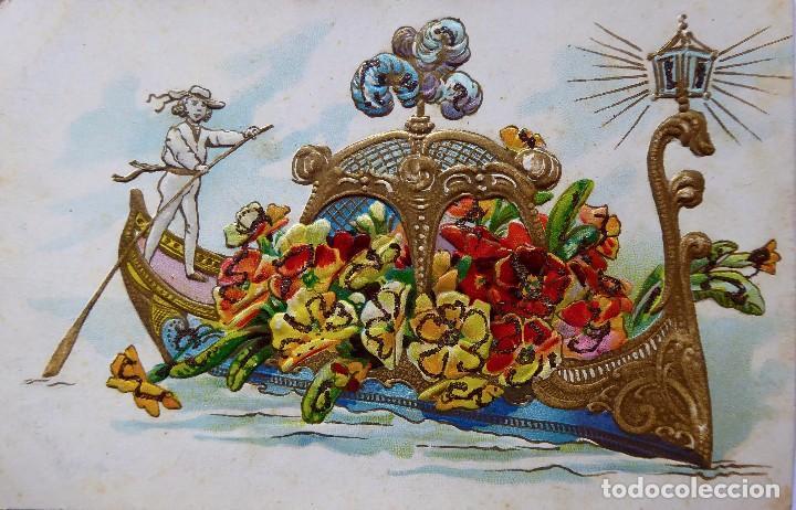P-12602. ANTIGUA POSTAL ITALIANA. DIBUJO GONDOLA LLENA DE FLORES. CIRCULADA. AÑO 1907. CON RELIEVE (Postales - Dibujos y Caricaturas)