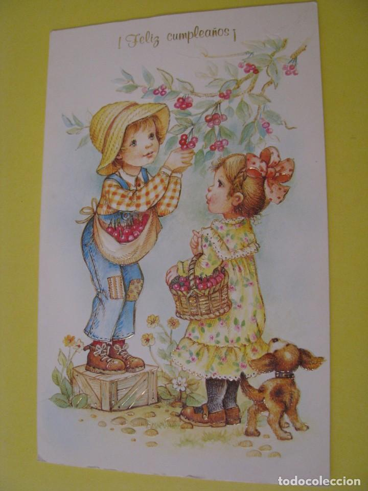 POSTAL DIPTICA DE ED. GOLDEN. Nº 173. FELIZ CUMPLEAÑOS. 18X11 CM. RELIEVE. ESCRITA 1984. (Postales - Dibujos y Caricaturas)