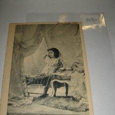 Postales: POSTAL ANTIGUA EN BLANCO Y NEGRO, ILUSTRACIÓN DE NIÑA EN HABITACIÓN, AÑO 1903.. Lote 29403229