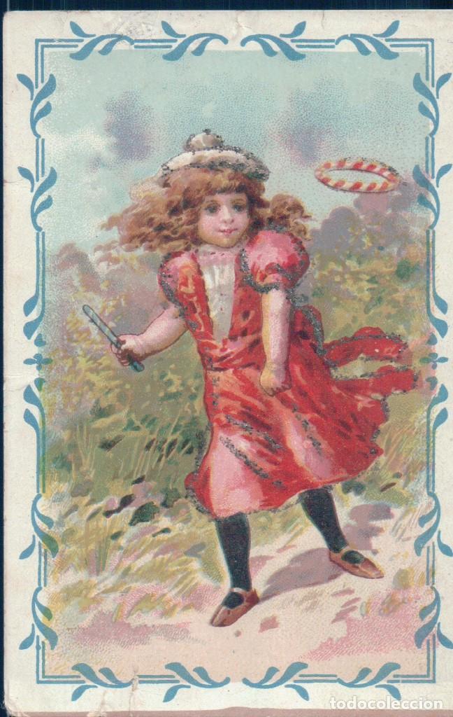 POSTAL DIBUJO NIÑA CON SOMBRERO JUGANDO CON EL ARO EN EL CAMPO - PURPURINA - CIRCULADA (Postales - Postales Temáticas - Dibujos originales y Grabados)