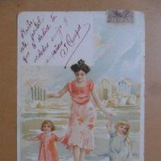 Postales: TARJETA POSTAL CIRCULADA C' 1904 - MUJER CON NIÑOS BAÑANDOSE. Lote 171131837