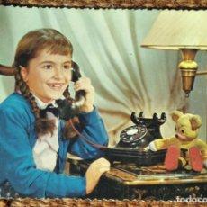 Postales: NIÑA AL TELEFONO. Lote 263238625