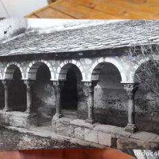 Postales: CARALPS, PIRINEO CATALAN, CLAUSTRO ROMANICO DE LA IGLESIA, ED. ALBAREDA, Nº22571, 1950, CIRCULADA. Lote 93894795