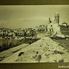 Postales: POSTAL - ESPAÑA - SITGES - 518 - EMBARCADERO Y PUNTA -FOT. R. GASSÓ - ESCRITA . Lote 100769083