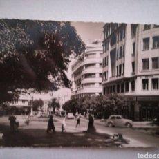 Postales: TANGER, LA PLACE DE FRANCE. CIRCULADA 1952. REAL-FOTO. Lote 107266366