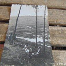Postales: TARJETA POSTAL BAYONA ISLAS CIES DESDE EL MONTE DE LA VIRGEN DE LA ROCA. Lote 118201603