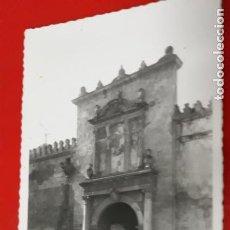 Postales: POSTAL DE CÓRDOBA. AÑOS 30 50. MEZQUITA, PUERTA DE SANTA CATALINA. 91 ARRIBAS.. Lote 156314494