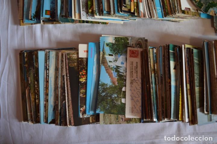 Postales: LOTE GIGANTE POSTALES - Sobre 850 POSTALES VARIADAS - Casi 4kg - ESPAÑA Y OTROS PAÍSES ¡Mira! - Foto 4 - 219499876