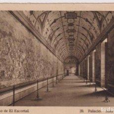 Postales: MONASTERIO DE EL ESCORIAL. PALACIO SALA DE BATALLAS. FRANQUEADO Y FECHADO EN 1949. Lote 262682925