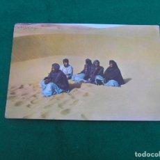 Postales: POSTAL DEL SAHARA ESPAÑOL. (ALTO EN LAS DUNAS)) FOTO EN COLOR. ESCRITA. AÑO 1964.. Lote 271214798