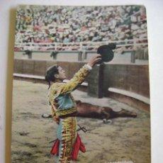 Postales: POSTALES ANTIGUAS DE ESPAÑA TAUROMAQUIA TOREROS BOMBITA BRINDANDO. Lote 205125868