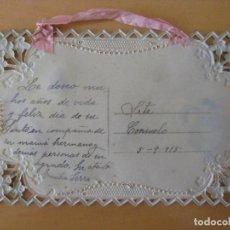 Postales: POSTAL Y SOBRE AÑO 1915 CON TROQUELADOS, FLORES, DORADOS, FOTO ENAMORADOS. Lote 88998880