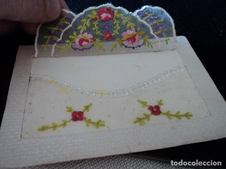 Postales: Rara postal , con un bordado a mano, en seda en forma de sobre circulada 1916 - Foto 3 - 90168572