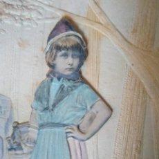 Postales: ORIGINAL POSTAL EN RELIEVE. FOTOGRAFÍA Y DIBUJO. CIRCULADA EN 1905 ( FAMILIA FERNÁNDEZ DE CÓRDOBA).. Lote 103769243