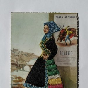Postal bordada trajes típicos Toledo J. Briones