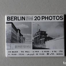 Postales: 20 POSTALES BERLIN-THE WALL. EDICIÓN DEL MUSEUM HAUS AM CHECHPOINT CHARLIE, 1990. Lote 147305930