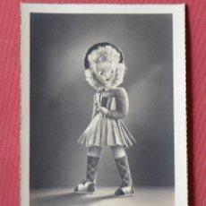 Postales: POSTAL FOTOGRAFICA DE MUÑECA DE TRAPO CELI - SOBE - 21 - ESCRITA - AÑOS 40. Lote 153181522