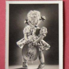 Postales: POSTAL FOTOGRAFICA DE MUÑECA DE TRAPO CELI - SOBE - 29 - ESCRITA EN 1947. Lote 153181738