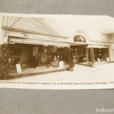 Postales: POSTAL FOTOGRÁFICA DE UN SATAN DE LA VOZ DE SU AMO EN 1924. THE EXIBIT OF THE GRAMOPHONE COMPANY. Lote 166105846