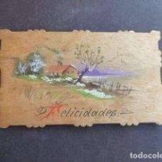 Postales: TARJETA FELICITACION EN MADERA PAISAJE PINTADO A MANO. Lote 175106740