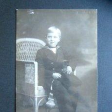 Postales: POSTAL FOTOGRÁFICA FAMILIA REAL ESPAÑOLA. PRÍNCIPE DE ASTURIAS. FOTO KAULAK. MONARQUÍA ALFONSO XIII. Lote 178435433