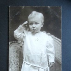 Postales: POSTAL FOTOGRÁFICA FAMILIA REAL ESPAÑOLA. PRÍNCIPE DE ASTURIAS. FOTO KAULAK. MONARQUÍA ALFONSO XIII. Lote 178435473