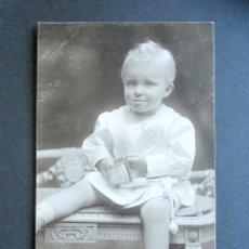 Postales: POSTAL FOTOGRÁFICA FAMILIA REAL ESPAÑOLA. PRÍNCIPE DE ASTURIAS. FOTO KAULAK. MONARQUÍA ALFONSO XIII. Lote 178435500