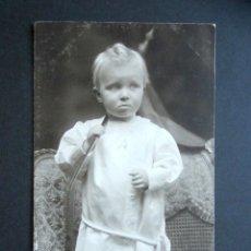 Postales: POSTAL FOTOGRÁFICA FAMILIA REAL ESPAÑOLA. PRÍNCIPE DE ASTURIAS. FOTO KAULAK. MONARQUÍA ALFONSO XIII. Lote 178435642