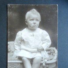 Postales: POSTAL FOTOGRÁFICA FAMILIA REAL ESPAÑOLA. PRÍNCIPE DE ASTURIAS. FOTO KAULAK. MONARQUÍA ALFONSO XIII. Lote 178435673