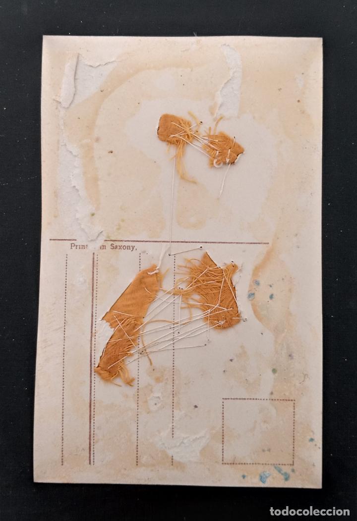 Postales: BONITA TARJETA POSTAL. DAMA ADORNADA CON TELA COSIDA. PRINCIPIOS SIGLO XX - Foto 2 - 194693835