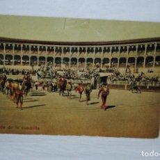 Postales: CORRIDA DE TOROS ,EL PASEILLO . Lote 194886705
