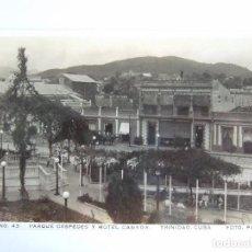 Postales: POSTAL CUBA - TRINIDAD - PARQUE CESPEDES Y HOTEL CANADA - FOTO PACO Nº 43 - ESCRITA SIN CIRCULAR. Lote 195188411