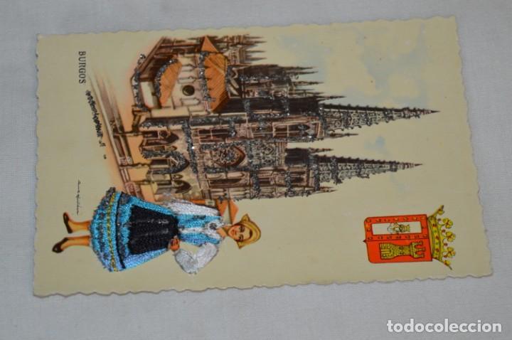 Postales: Antigua / BORDADA EN HILO y purpurina - Trajes típicos BURGOS - SIN CIRCULAR - Original ¡Mira! - Foto 2 - 198634936