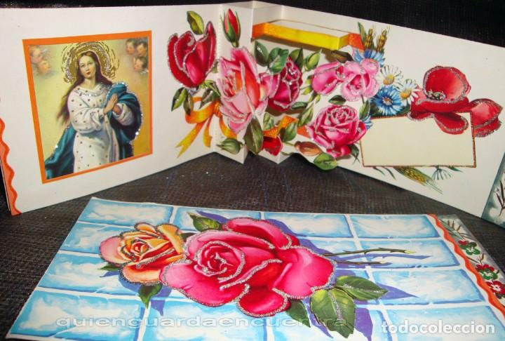 Postales: Postal de los años 60 con purpurina, troquelada y desplegable con La Virgen y el niño Jesús. - Foto 2 - 224041971