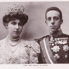 Postales: MONARQUIA EL REY ALFONSO XIII Y LA REINA VICTORIA EUGENIA. POSTAL FOTOGRAFICA INGLESA SIN CIRCULAR. Lote 228499375