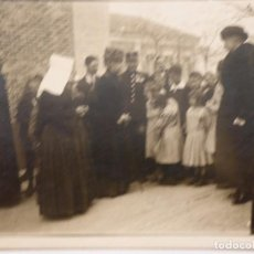 Postales: P-12174.FAMILIA REAL ESPAÑOLA. LA REINA MARIA CRISTINA VISITA COLEGIO EN MADRID. MARZO 1921.. Lote 240264410