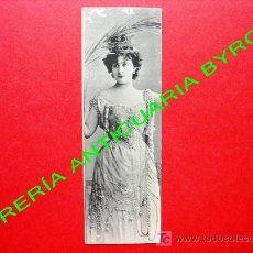 Postales: TARJETA POSTAL ANTIGUA. MUJER VESTIDA CON ROPA DE LA ÉPOCA. (PRINCIPIOS DEL SIGLO XX) 14 X 4,5 CM. Lote 18753151