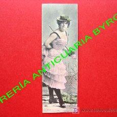 Postales: TARJETA POSTAL ANTIGUA. MUJER VESTIDA CON ROPA DE LA ÉPOCA. (PRINCIPIOS DEL SIGLO XX) 14 X 4,5 CM. Lote 18753168