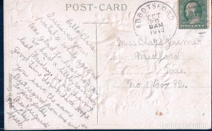 Postales: POSTAL EN RELIEVE CIRCULADA 1910 - BEST WISHES - PALOMA - CESTA FLORES - ROSAS - LAZO - Foto 2 - 103757931