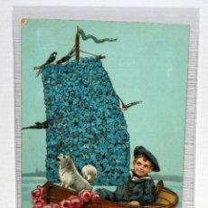 Postales: POSTAL MODERNISTA - NIÑO CON BARCA, PERRO Y GOLONDRINAS. CIRCULADA. (1908).. Lote 171097612