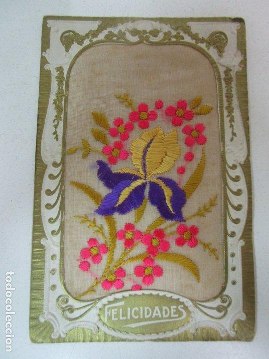 Postales: Postal Troquelada, en Tela Bordada - Hilos de Colores - Felicidades - Foto 3 - 178325412
