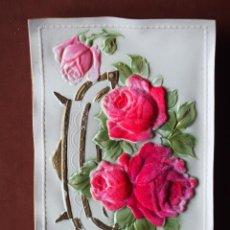Postales: POSTAL EN RELIEVE CON ROSAS DE TERCIOPELO ADHERIDAS. 1912. SIN CIRCULAR. Lote 236707440