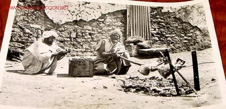 ANTIGUA POSTAL DE MARRUECOS - ASADO DE CORDERO AL AIRE (Postales - Postales Temáticas - Étnicas)