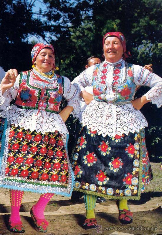 21114aec8027 Rumania trajes tipicos Postal circulada