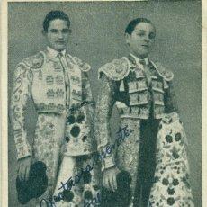 Postales: TOROS. LOS NIÑOS CORDOBESES. CARLOS Y PAQUITO CORPAS. HACIA 1950. AUTÓGRAFOS DE AMBOS.. Lote 190382737