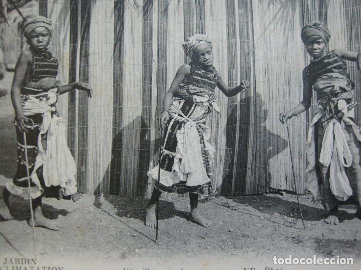 JARDIN D'ACCLIMATATION-NIÑOS NEGROS BAILANDO-ND PHOT-POSTAL ANTIGUA-(70.582) (Postales - Postales Temáticas - Étnicas)