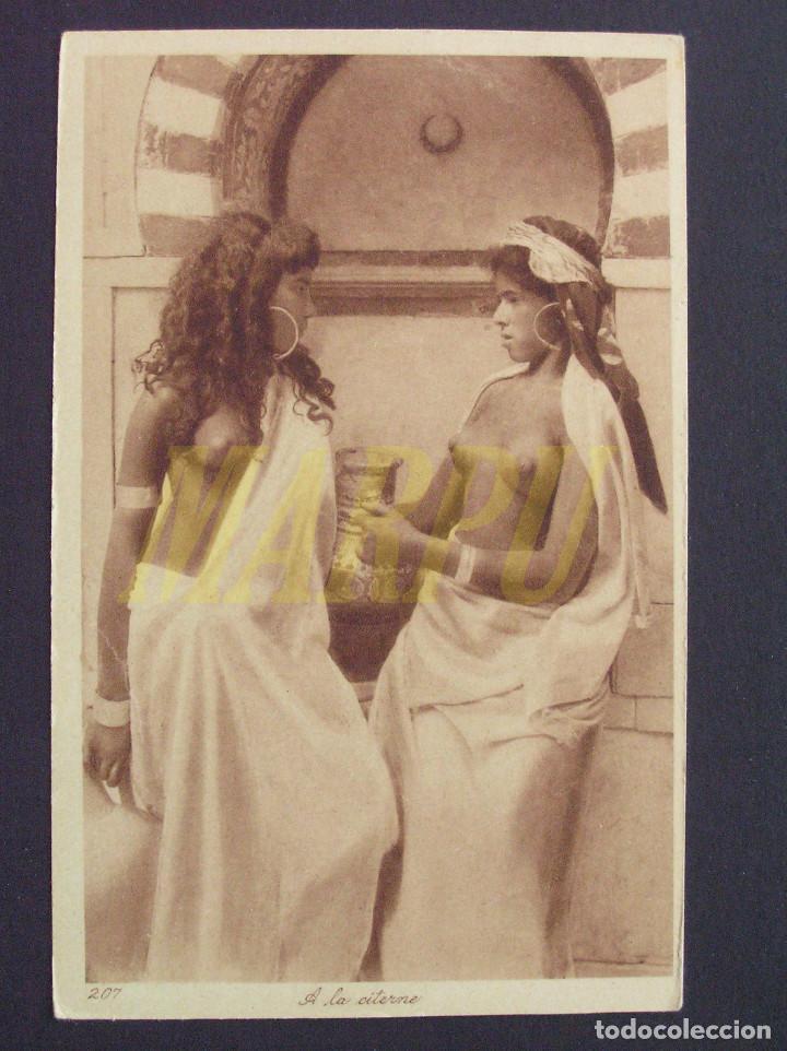 POSTAL EDICIONES LEHNERT & LANDROCK Nº 207 - EN LA CISTERNA (Postales - Postales Temáticas - Étnicas)