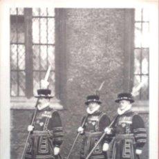 Postales: TORRE DE LONDRES. YEOMAN WARDERS IN STATE DRESS. NUEVA. BLANCO/NEGRO. Lote 213854227