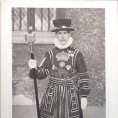 Postales: TORRE DE LONDRES. HEAD WARDER IN STATE DRESS. NUEVA. BLANCO/NEGRO. Lote 213854257